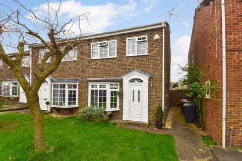 3 bedroom semi-detached house for sale - Cardinals Walk, Taplow, Maidenhead, SL6