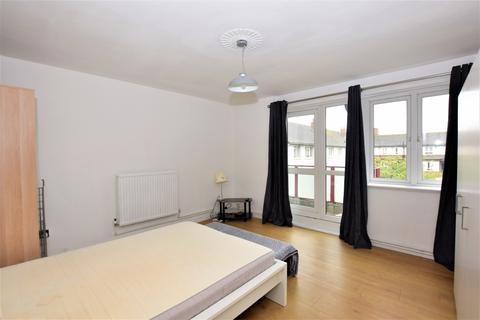 3 bedroom flat to rent - Longfield Estate London SE1