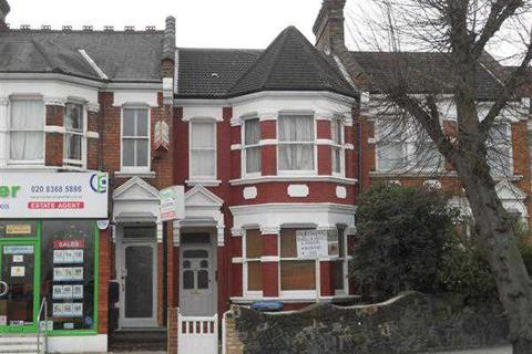 4 bedroom apartment to rent - Bowes Road, London, N11