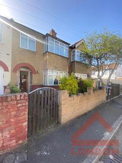 4 bedroom house share to rent - Montrose Gardens , CR4