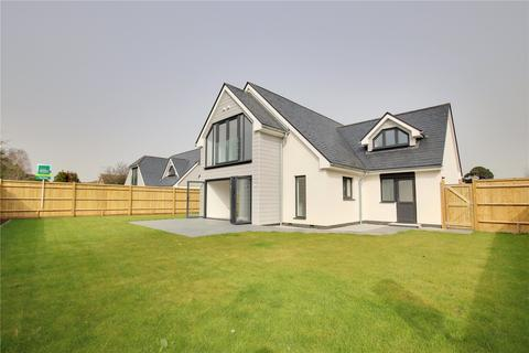 4 bedroom detached house for sale - Sea Lane, Ferring, West Sussex, BN12