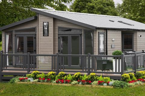 2 bedroom lodge for sale - Newton Upon Derwent  East Riding of Yorkshire