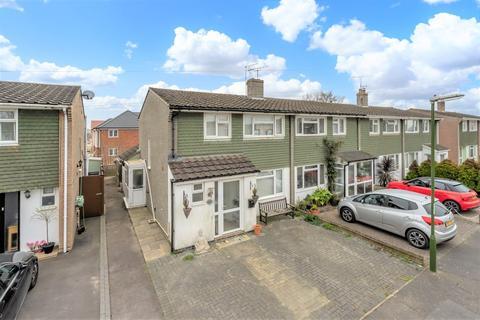 3 bedroom semi-detached house for sale - Fairholme Drive, Yapton