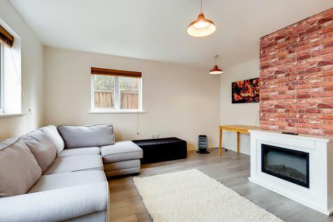 2 bedroom apartment for sale - Manchester Court, Custom House, E16