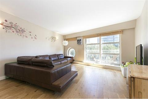 2 bedroom apartment to rent - Cascades Tower, Canary Riverside, E14
