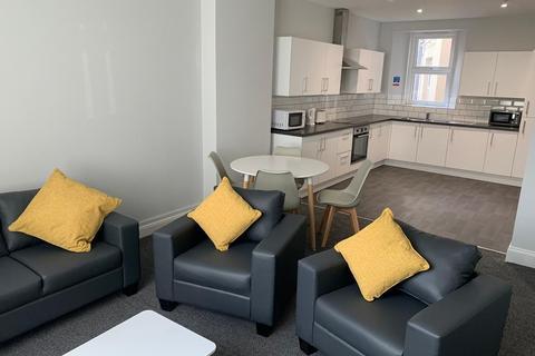 7 bedroom house share to rent - 33 Regent Street