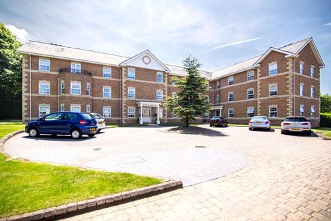 3 bedroom apartment for sale - Maple House, Little Aston Hall Drive, Little Aston, Sutton Coldfield, B74 3BF