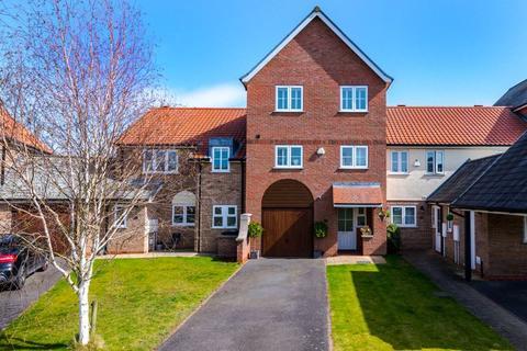 3 bedroom terraced house for sale - 110 Park Lane, Burton Waters. LN1 2WP