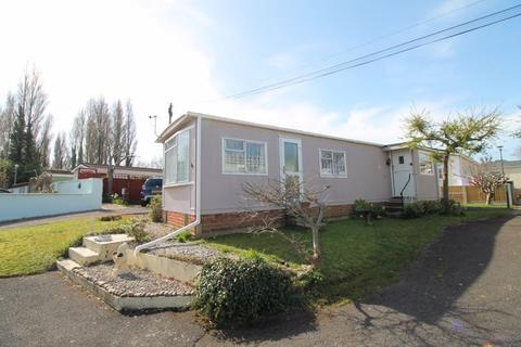 2 bedroom park home for sale - Old Bridge Road, Iford