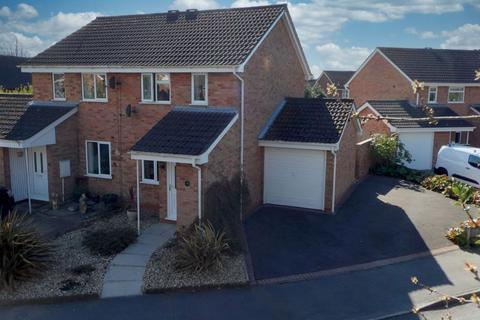 2 bedroom semi-detached house for sale - Chivelstone Grove, Stoke-On-Trent