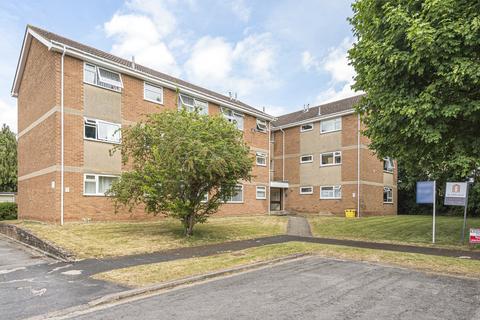 2 bedroom apartment to rent - Woodlands Court, Witney