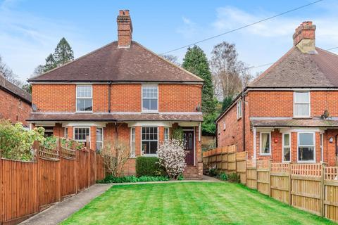 3 bedroom semi-detached house for sale - Underwood Road, Haslemere, GU27