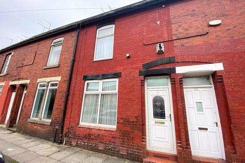 2 bedroom terraced house to rent - Humber Street, Salford