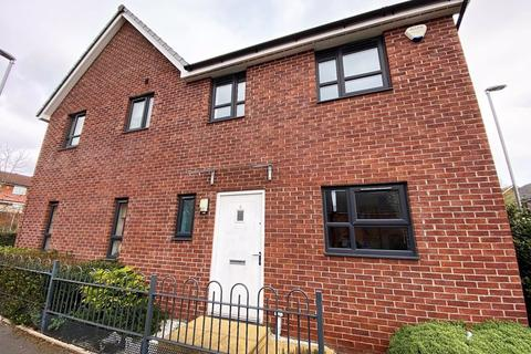 3 bedroom semi-detached house to rent - Bugle Close, Salford