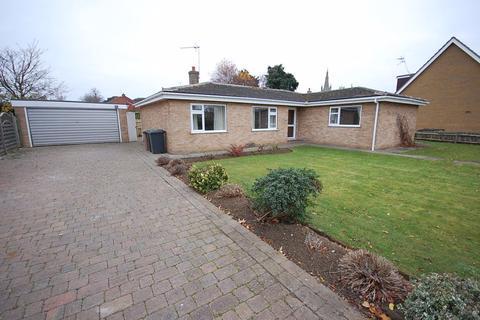 4 bedroom bungalow to rent - Godson Avenue, Heckington