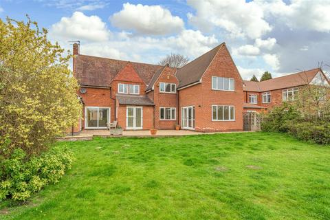 5 bedroom detached house for sale - A 1/4 Acre Plot with Annexe on Manthorpe Road, Grantham