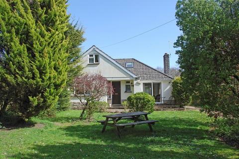 3 bedroom detached bungalow for sale - Honey Lane, Burley, Ringwood, BH24