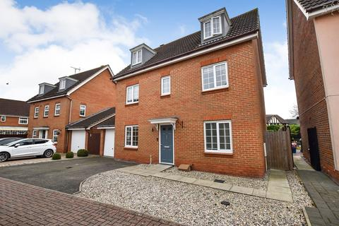 5 bedroom detached house for sale - Samian Close, Heybridge, Maldon, CM9