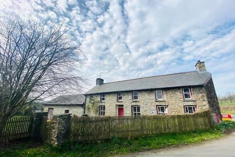 3 bedroom property with land for sale - Llanwnnen, Lampeter, SA48