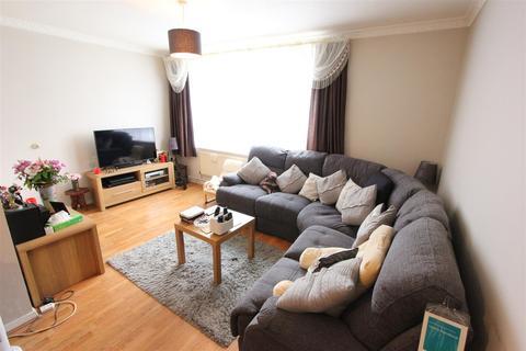 2 bedroom flat for sale - Grasmere Road, London