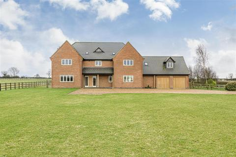 5 bedroom equestrian property for sale - Red House Lane, Hannington, Northampton