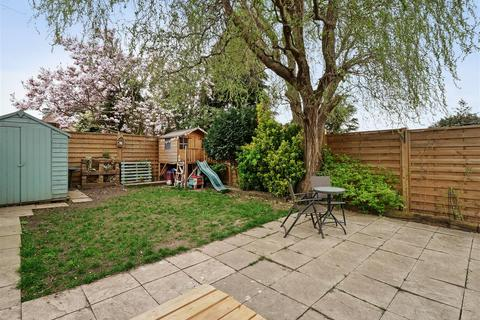 3 bedroom semi-detached house for sale - Edison Road, Welling