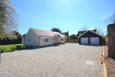 3 bedroom detached bungalow for sale - Cobbins Close, Burnham-On-Crouch