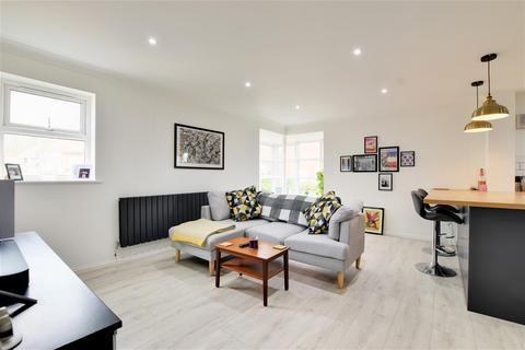 2 bedroom flat for sale - Hamilton Court, North Haven, Sunderland