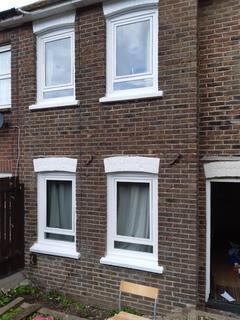 4 bedroom semi-detached house to rent - Clayton Road, Brighton