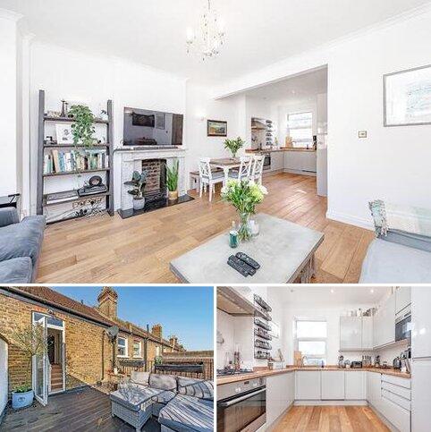 3 bedroom flat for sale - Elspeth Road, London, SW11