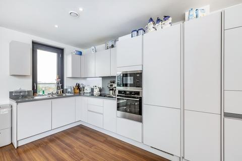3 bedroom penthouse to rent - Pipit Drive, Putney SW15