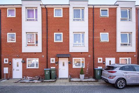 4 bedroom townhouse for sale - Aylesbury,  Buckinghamshire,  HP19