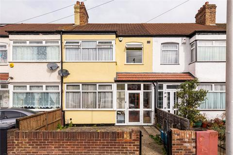3 bedroom terraced house for sale - Staines Road, Ilford, Ilford