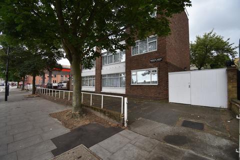 2 bedroom flat to rent - Plumstead High Street London SE18