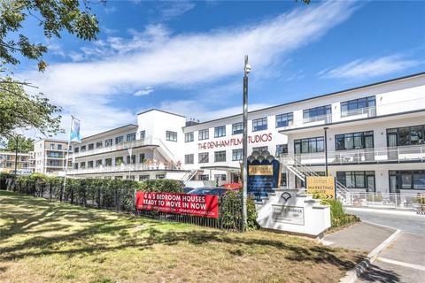 2 bedroom apartment for sale - Stanley Kubrick Road, Denham, Uxbridge