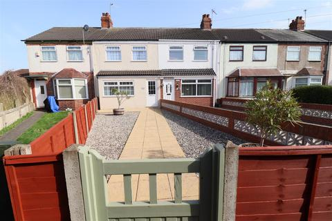 2 bedroom terraced house for sale - St Nicholas Avenue,Hull
