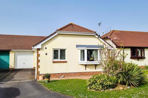 2 bedroom detached bungalow for sale - The Laurels, Roundswell, Barnstaple
