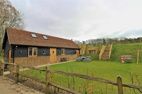 4 bedroom detached house for sale - Broadhurst Manor Road, Horsted Keynes, West Sussex. RH17 7BG