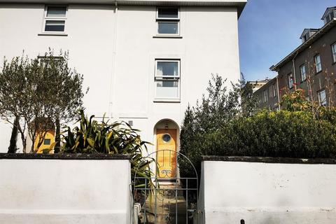 1 bedroom in a house share to rent - Lyndhurst Road, Exeter, EX2 4NX