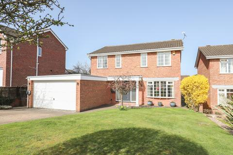 4 bedroom detached house for sale - Carnoustie Avenue, Walton, Chesterfield