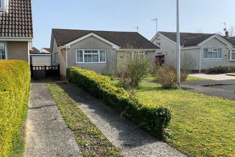 2 bedroom detached bungalow for sale - Elm Park , Crundale