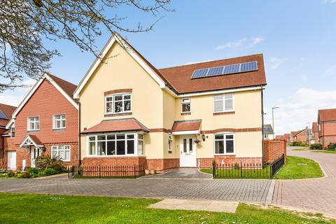 5 bedroom detached house for sale - Henwood Grove, Clanfield