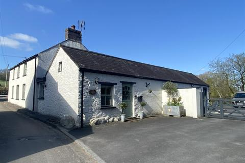3 bedroom property with land for sale - Porthyrhyd, Carmarthen