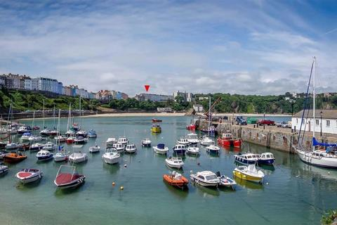 2 bedroom apartment for sale - Croft House Apartments, The Croft, Tenby, Pembrokeshire, SA70