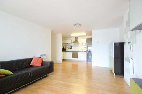 2 bedroom flat to rent - Cam Road, London