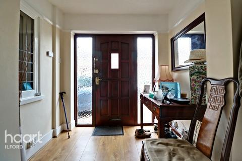 4 bedroom semi-detached house for sale - Wanstead Park Road, Ilford