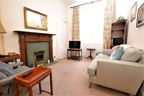 2 bedroom flat to rent - Dean Park Street, Edinburgh     Available 17th May