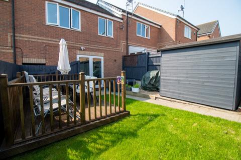 3 bedroom townhouse for sale - Chestnut Drive, Hollingwood, Chesterfield