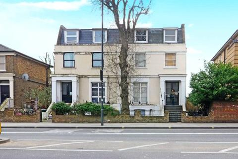 3 bedroom apartment to rent - Goldhawk Road, London, W12