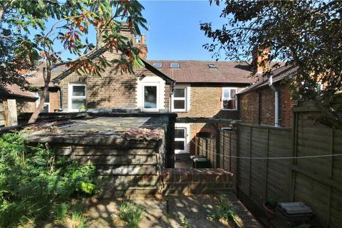 5 bedroom terraced house to rent - Walnut Tree Close, Guildford, Surrey, GU1